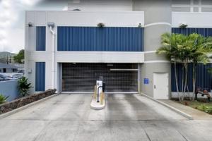 KG-FL2_Parking_GatedSecureParking-CC